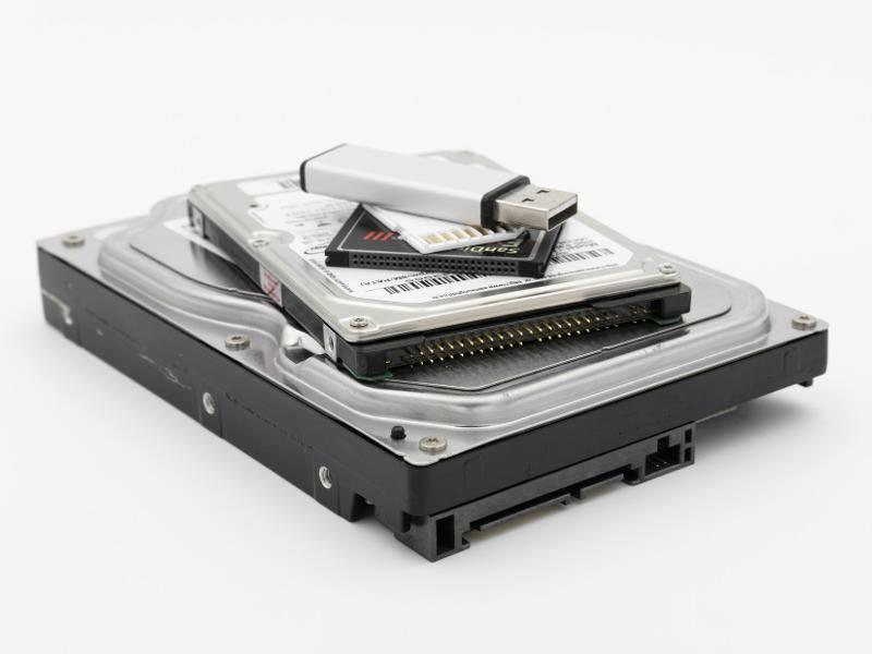 ustylizacja płyt cd, dvd, usb, kart pamięci
